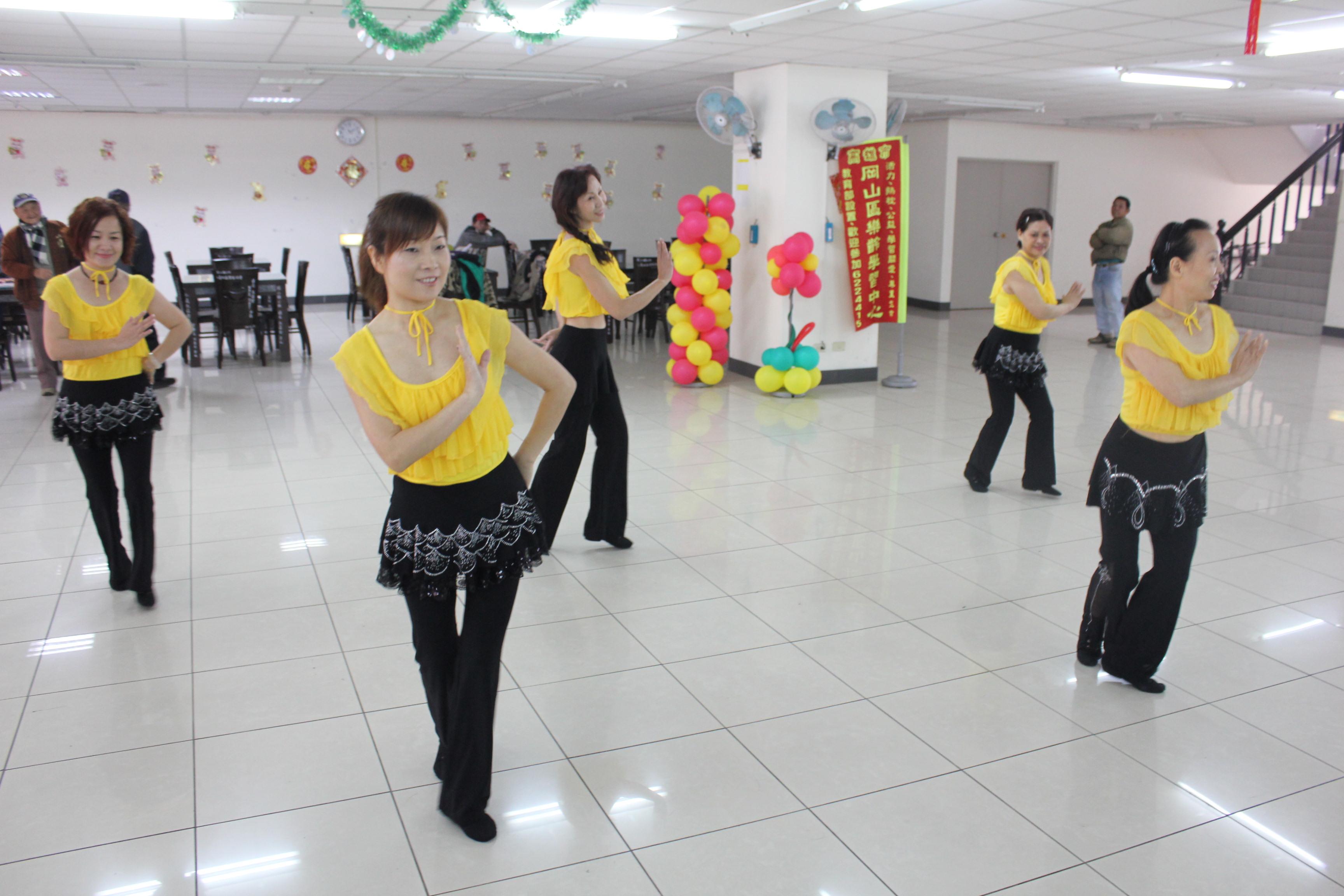 新住民藏族舞蹈表演
